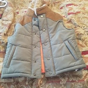 Puffer vest with corduroy  collar